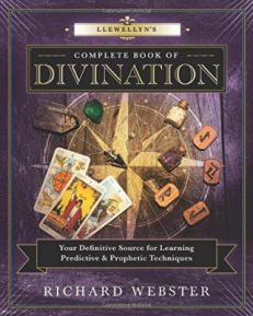 Llewellyn`s Complete Book of Divination